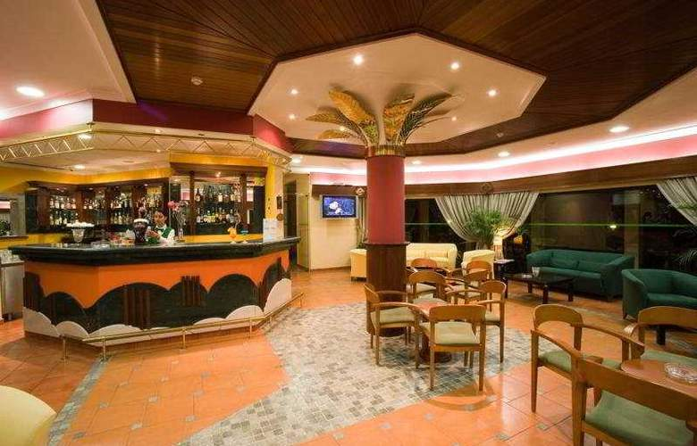 Ria Plaza Resort - Bar - 5
