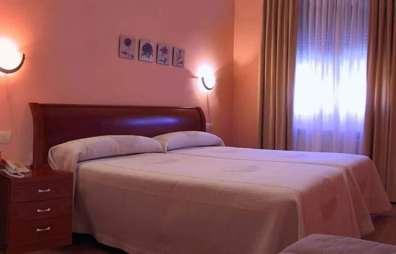 El Roble - Room - 2