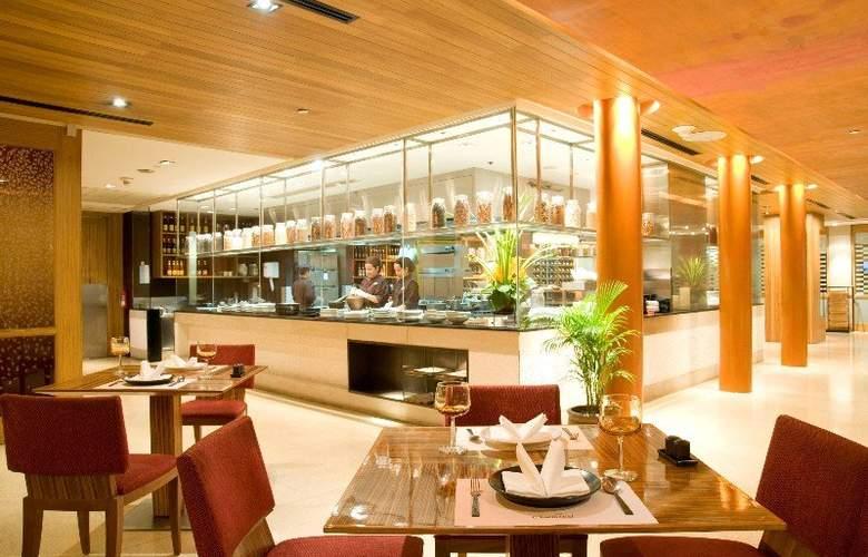 Holiday Inn Bangkok - Restaurant - 18