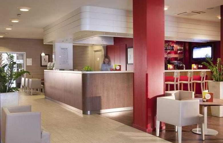 Campanile Paris Sud Porte D'Italie - Hotel - 0