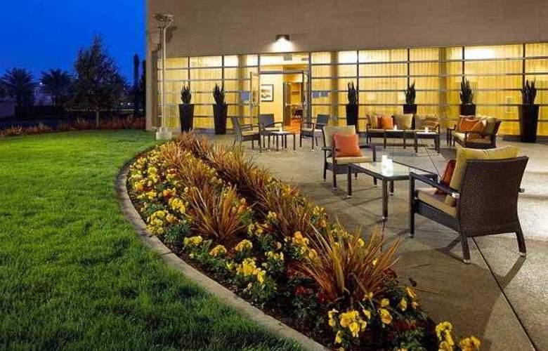 Courtyard Long Beach - Hotel - 12