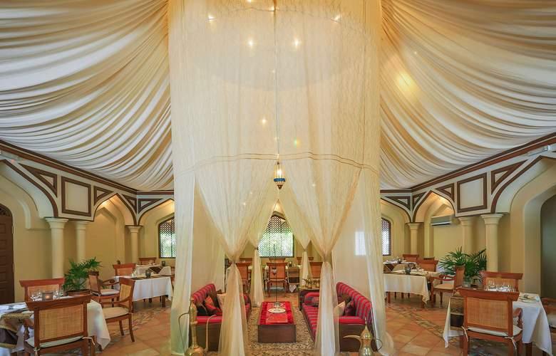 Kurumba Maldives - Restaurant - 35