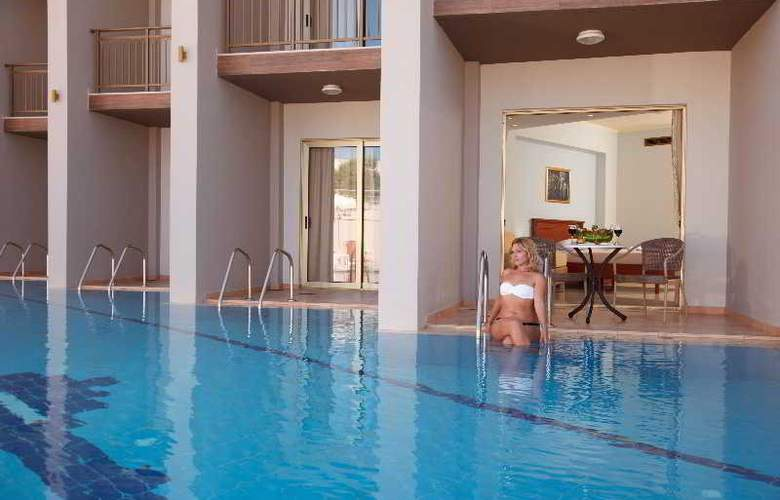 Agelia Beach Hotel - Pool - 7