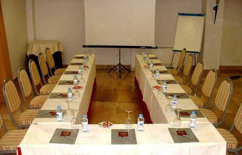 Centric Atiram - Conference - 7