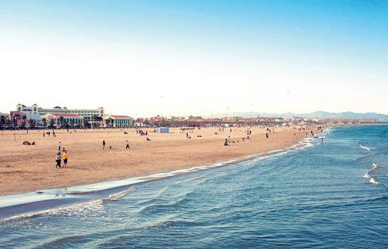 AC Colón Valencia - Beach - 4