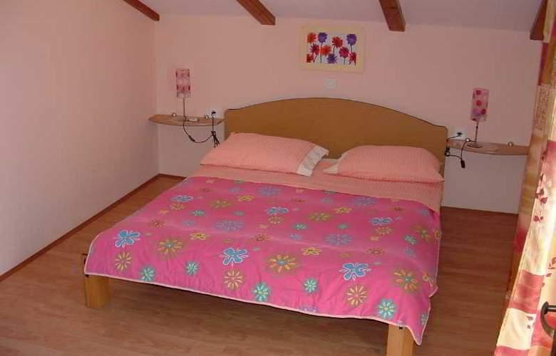 Apartmani Ivanka - Room - 15