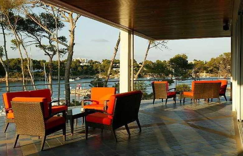 Blau Privilege Porto Petro Beach Resort & Spa - Terrace - 7