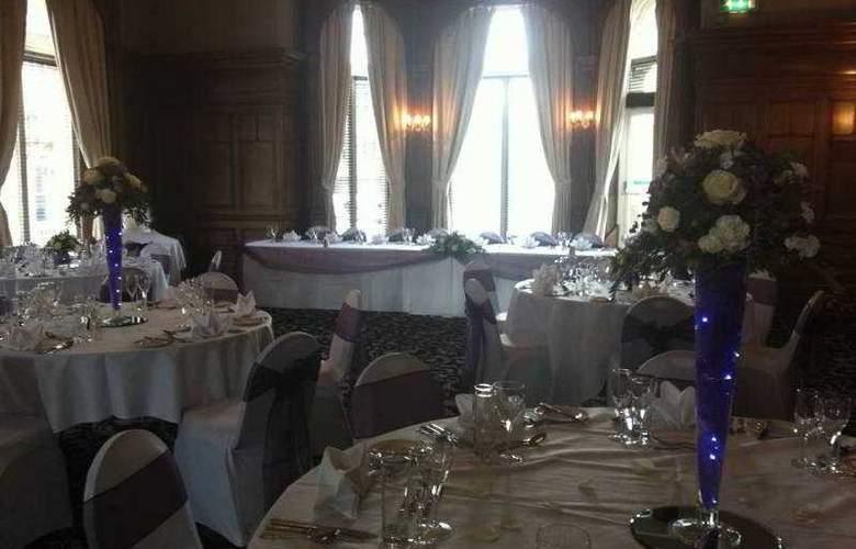 The Great Victoria - Restaurant - 3