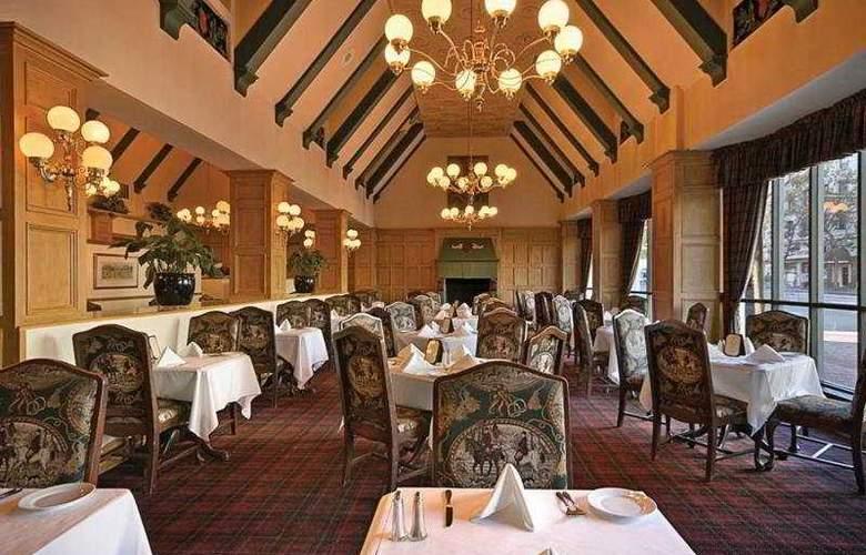 Whitcomb - Restaurant - 10