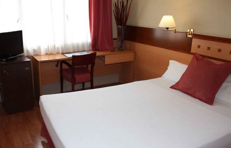Atiram Tres Torres - Room - 0