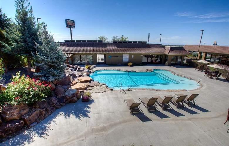 Best Western Foothills Inn - Pool - 82