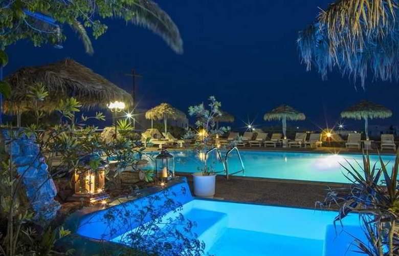 Villa Olympia - Pool - 6