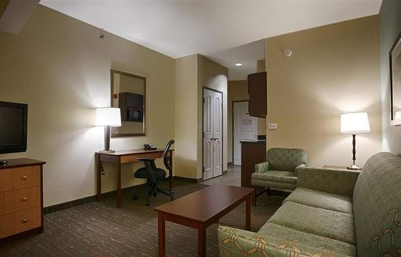 Best Western Plus Texarkana Inn & Suites - General - 22