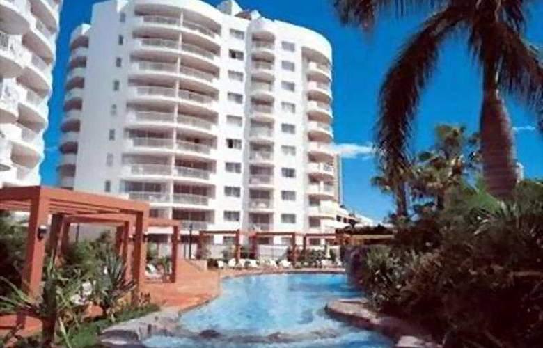 Australis Sovereign Hotel - Hotel - 0