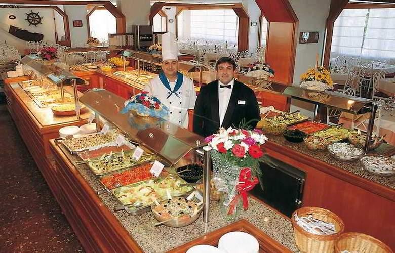 Hotel GHT Aquarium - Restaurant - 3