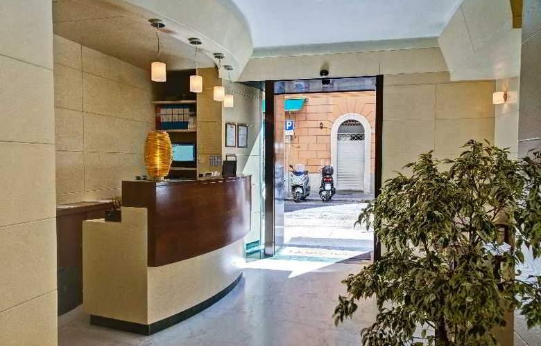 Crosti Hotel & Residence - General - 5