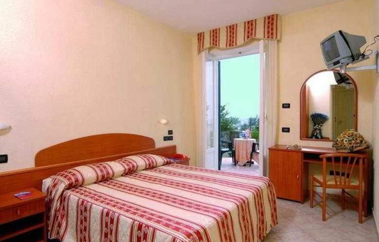 Parco Dei Principi - Room - 0