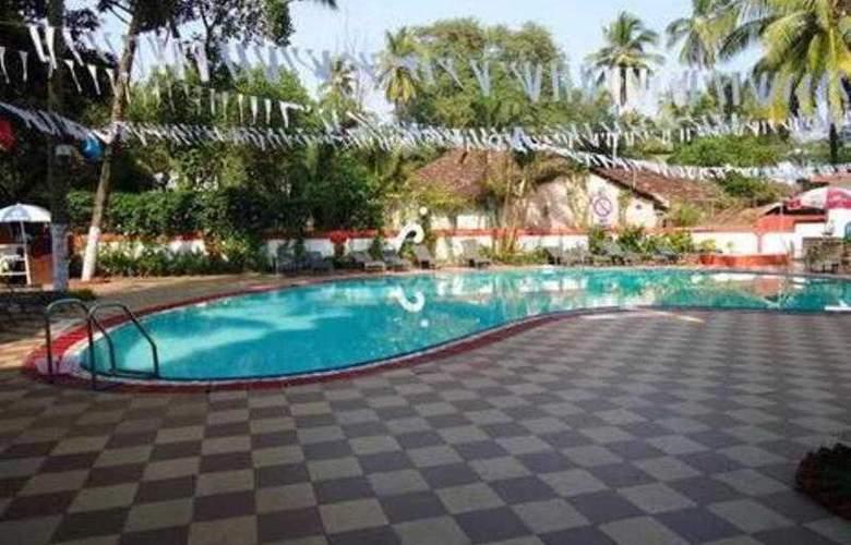 Dona Terezinha - Pool - 17
