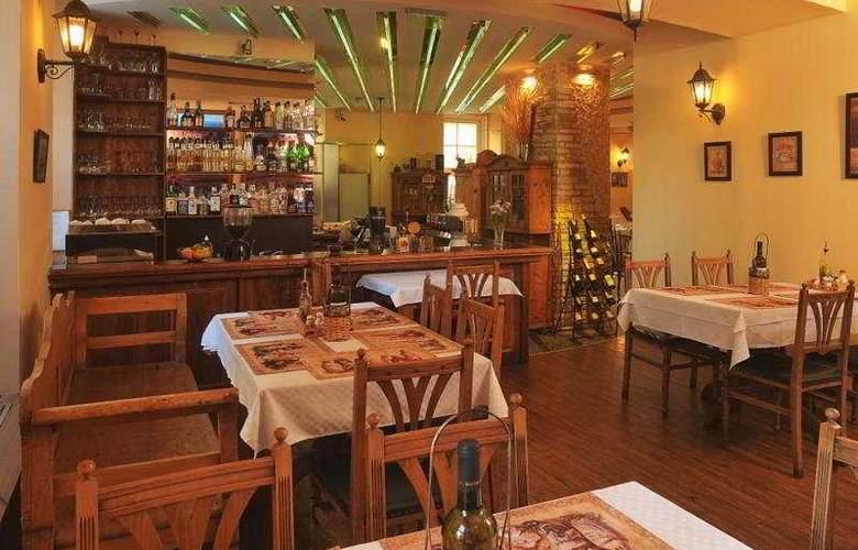 Cosmo City Hotel - Restaurant - 1