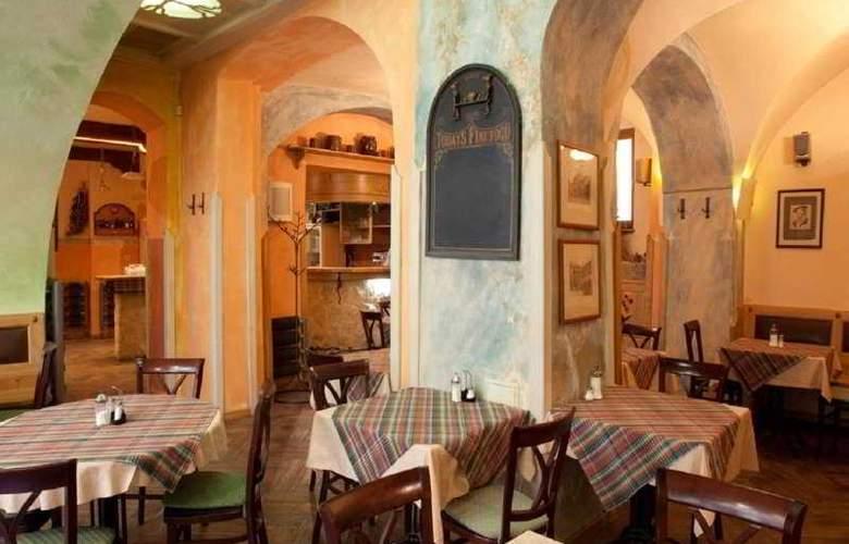 King George Hotel - Restaurant - 4