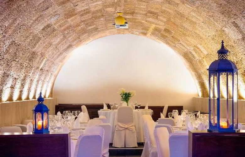 Avalon Boutique Suites - Restaurant - 33