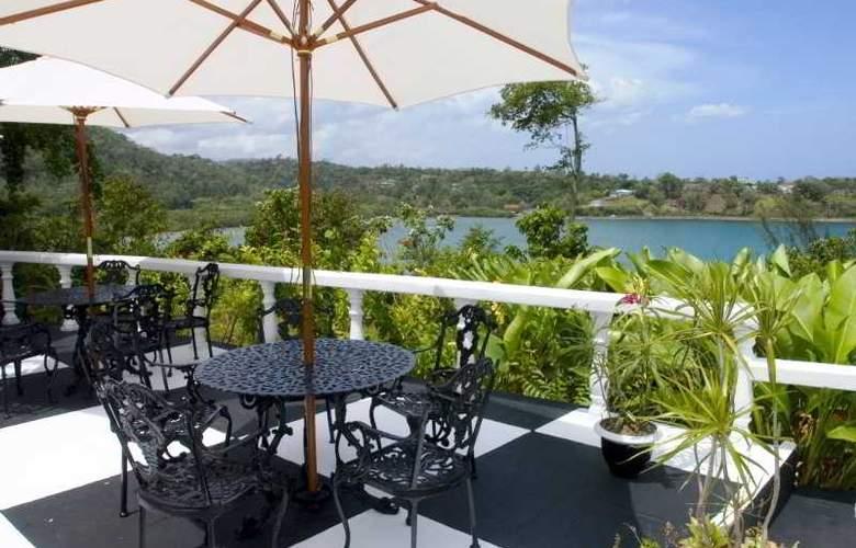 Jamaica Palace - Terrace - 21
