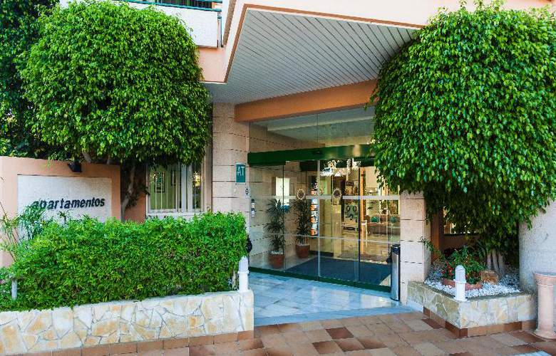 Apartamentos Globales Nova - Hotel - 11
