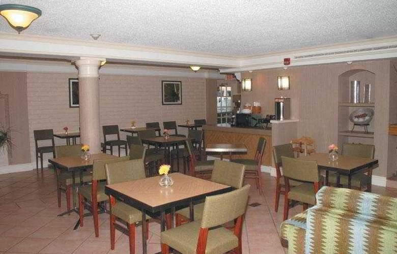La Quinta Inn Oklahoma City del City 632 - Restaurant - 4