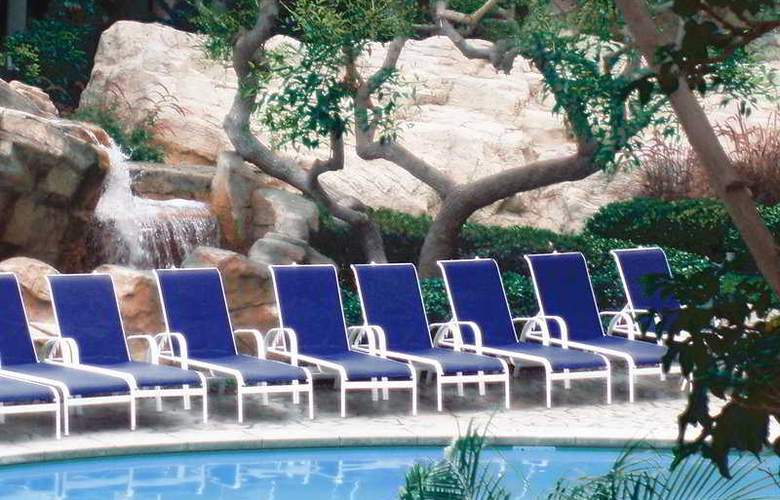 Sheraton San Diego Hotel & Marina - Pool - 7