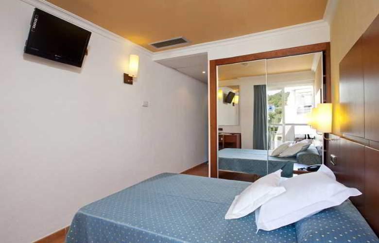 Simbad - Room - 13