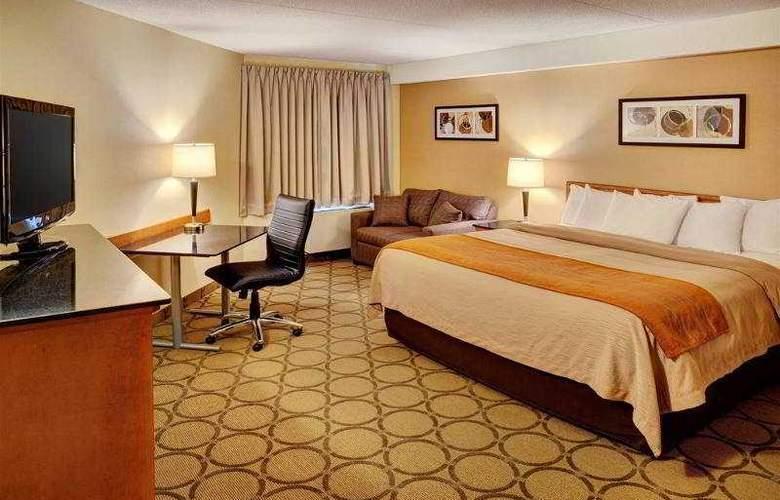Comfort Inn Brossard - Hotel - 3