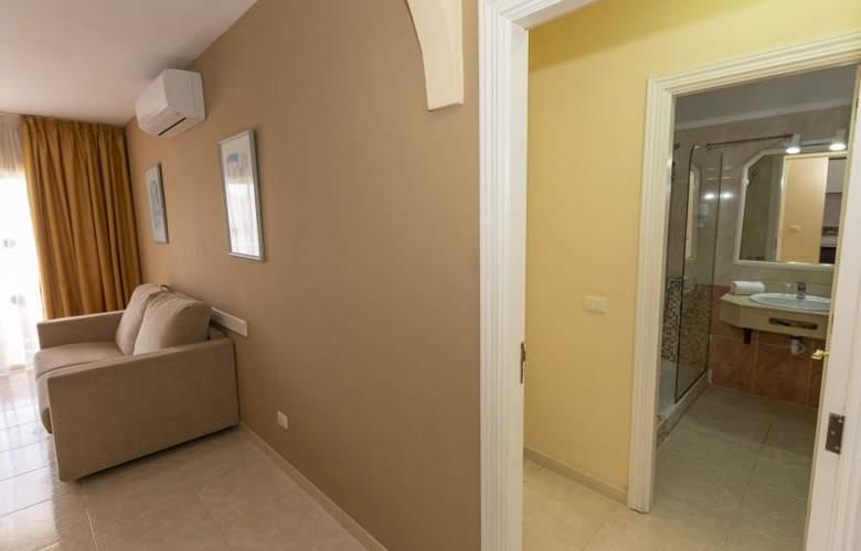 Villa Adeje Beach - Room - 12