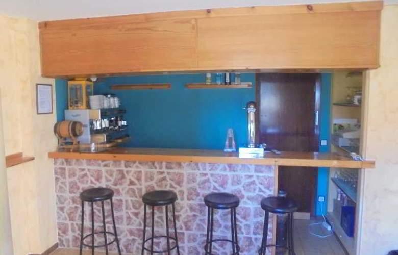 Azcona - Bar - 25