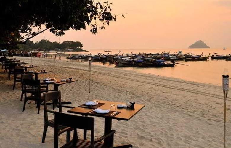 Holiday Inn Resort Phi Phi - Beach - 10