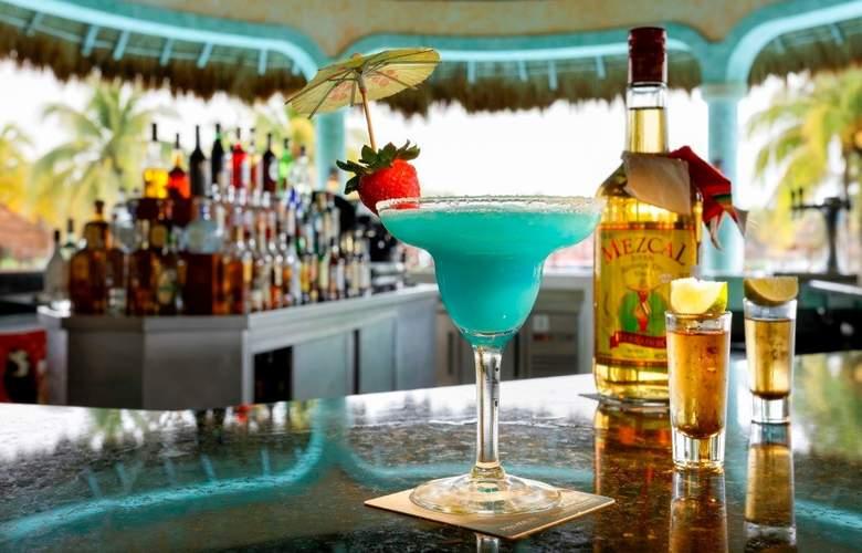 Grand Palladium Colonial Resort & Spa - Bar - 29