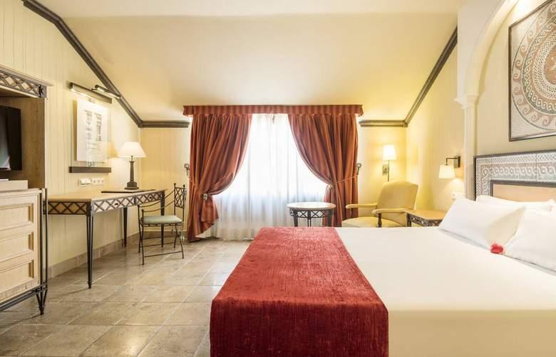 Ilunion Mérida Palace - Room - 2