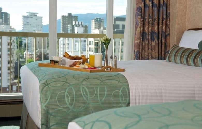 Coast Plaza Hotel & Suites - Room - 1