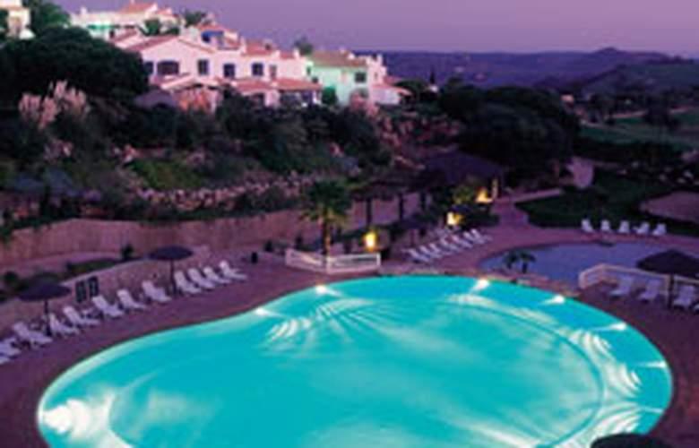 Parque Da Floresta Golf & Leisure Resort - Pool - 1