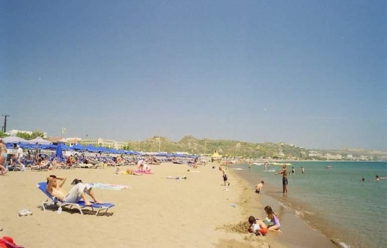 Argo Hotel - Beach - 3