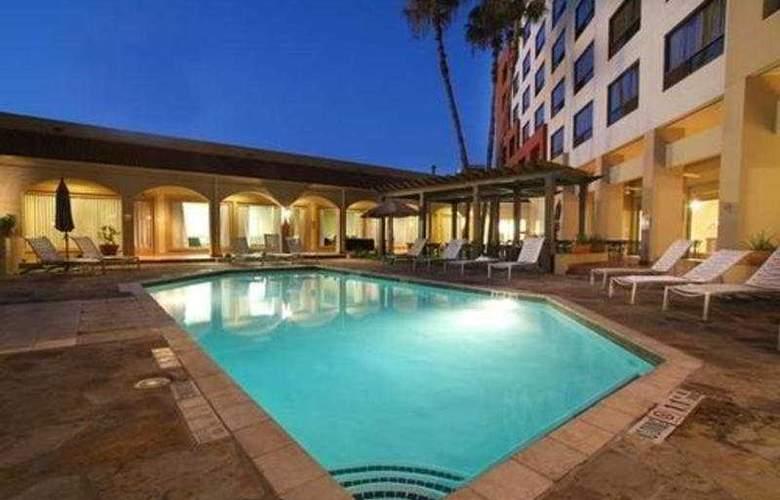 Doubletree San Antonio Downtown - Pool - 5