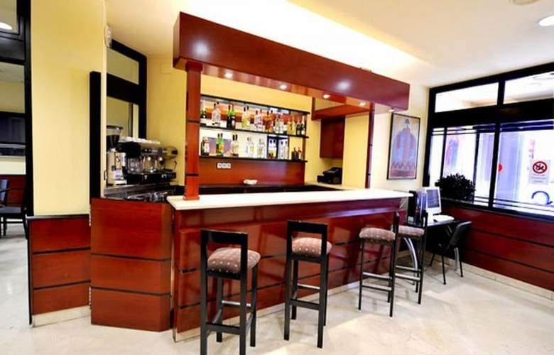 Hotel Glories Sercotel - Bar - 18