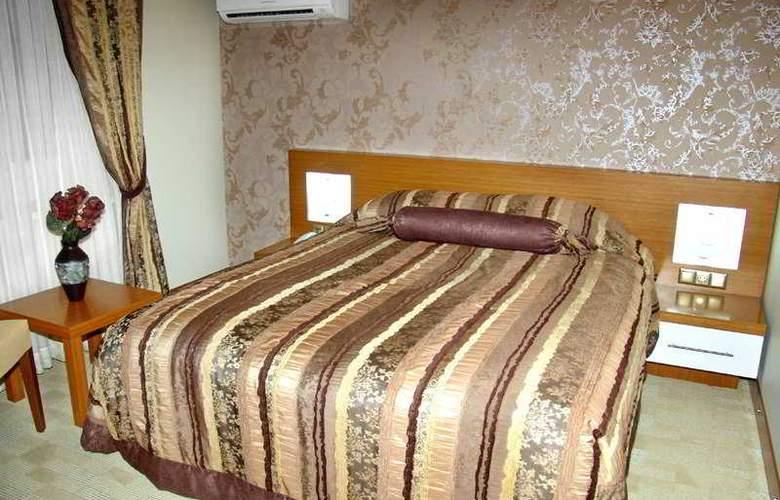 BC Hotel - Room - 4