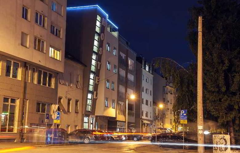 Hostel Moving - Hotel - 4