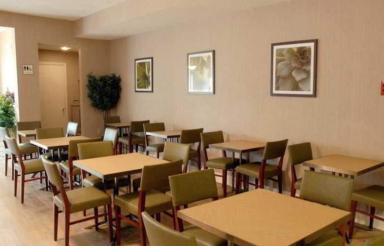 La Quinta Houston Medical/Reliant Center - Restaurant - 5