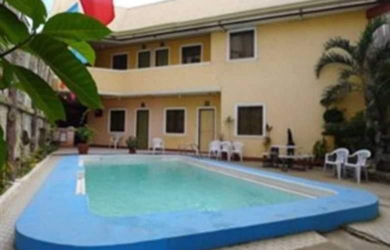 Turissimo Garden Hotel - Pool - 13