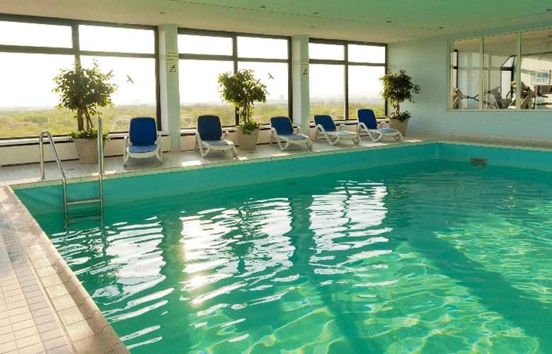 H4 Hotel Frankfurt Messe - Pool - 5