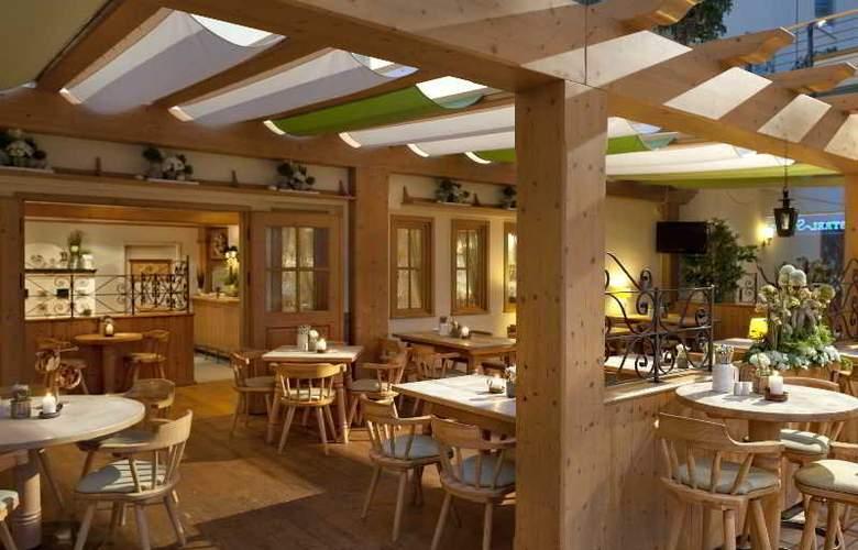 Estrel Hotel Berlin - Restaurant - 17