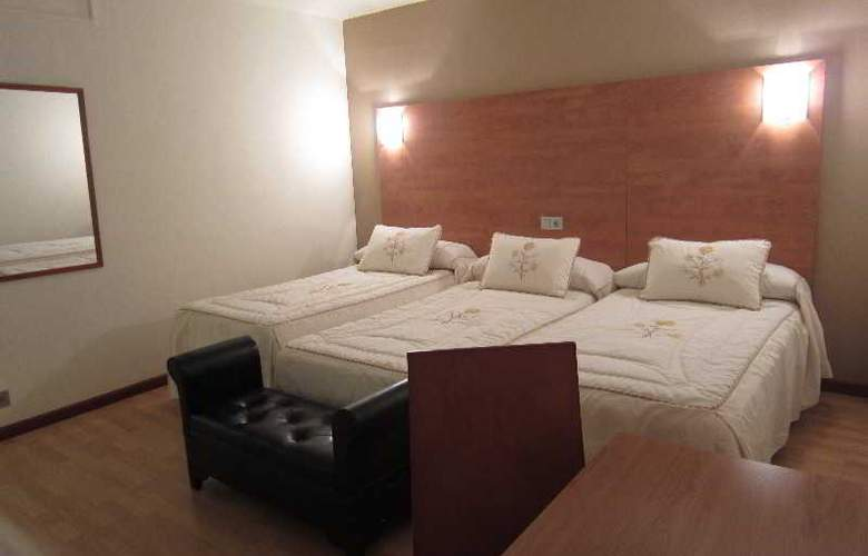 Acebos-Azabache Gijón - Room - 10