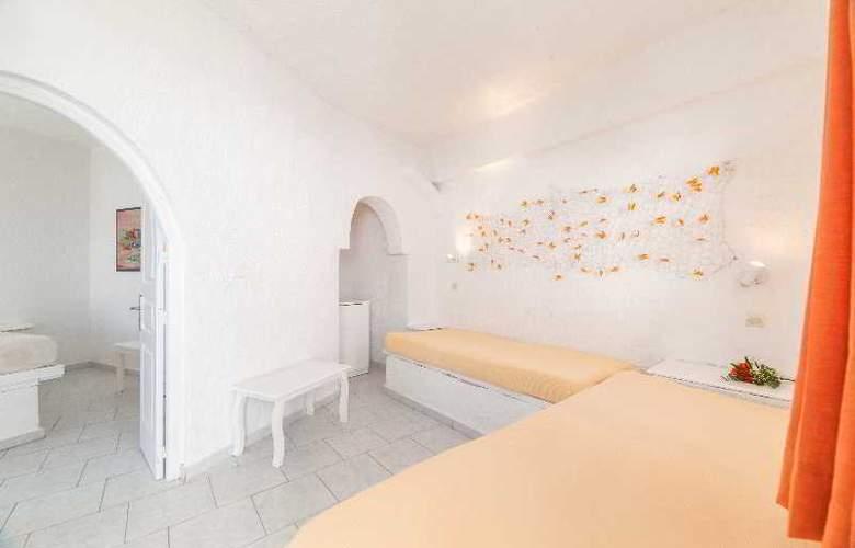 Artemis Suites - Room - 2