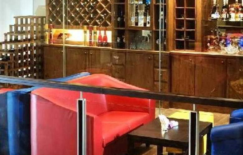 The Palais Hotel Dago - Bar - 5